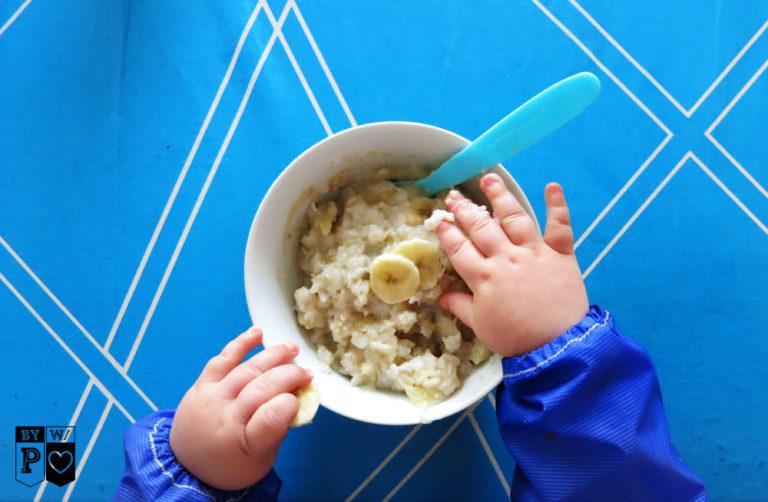 Reis-Porridge mit Kokosmus & Früchten