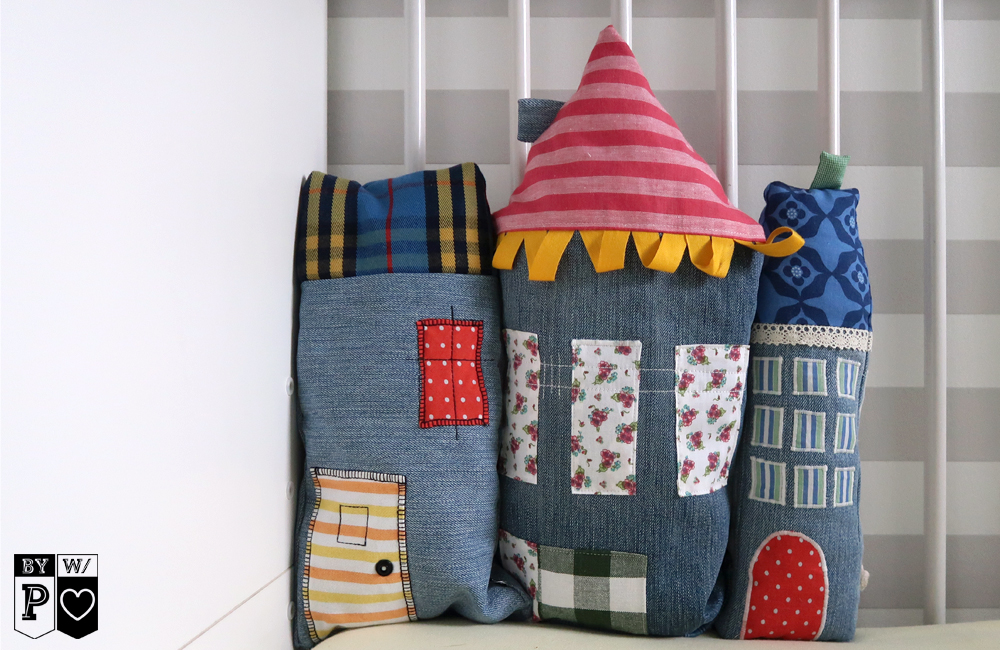 Jeans Recycling: Häuser als Gitterbett-Nestchen